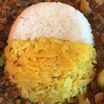スパイスカリー バビルの塔 - ご飯は、白米(ササニシキ)とスパイスライス(高級タイ産香り米)のあいめし