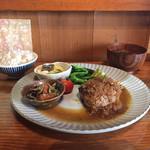 焼き鳥 まる - 昼まる by 潜水艦 ハンバーグ定食