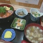 佐野鮮魚店 - 料理写真:海鮮丼