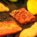 仙台牛焼肉 バリバリ - やいてます。じゅうう