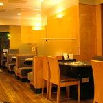 仙台牛焼肉 バリバリ - 昭和の香りながらきれいな店内