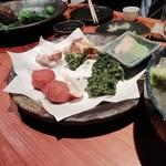 102914163 - あおさ海苔の天ぷら、ウツボのから揚げなど(減ってます)