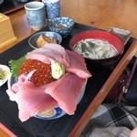 浜めし - 3色丼1400円