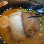 麺や えん - チャーシューアップ