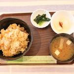 やすらぎカフェ かみや - 料理写真:鶏めし (丼)