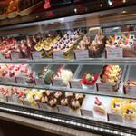 お菓子のお店 モリエール - ショーケースです