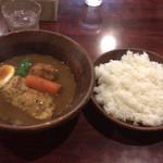 しんペー - 料理写真:チキンカレー ライス大盛り  1,150円