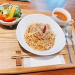 カフェ&リラクゼーションサロン Home place - 料理写真:真さばのペペロンチーノ