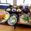そば処 福住 - 料理写真:[2019/02]そば鮭親子丼(1340円)
