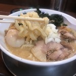 102951091 - 特製味噌そば ¥1.050                                              麺リフトアップ