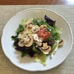 MANNA - 料理写真:マッシュルームのサラダ