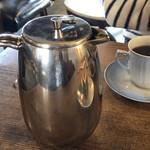 伊東屋珈琲 - スペシャリティコーヒーはポットでたっぷり出てきます