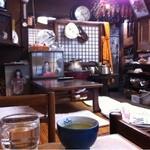 佐乃竹 - 店内から期待させます。