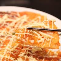 コリア タッカンマリ - [サクッとチーズチヂミ]サクッと香ばしく焼いたチーズがたまらない旨さ!