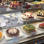 タルトアンドケーキ アリアド - ショーウィンドウ