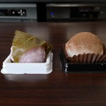 お菓子処 鶴屋 - 料理写真:桜餅&ティラミス大福