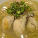 らぁ麺やまぐち - 牡蠣は3粒