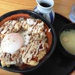 あげたて - 親不孝丼(550円)+味噌汁(90円)