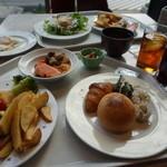 レストラン ディスカーロ -