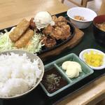 カフェレスト夕凪 - 料理写真:男の鉄板満腹から揚げ定食
