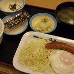 松屋 - 料理写真:ソーセージエッグ定食