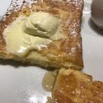 103012218 - ブリオッシュのフレンチトースト ブランチプレート1330円。フレンチトースト、超〜美味しかったです(╹◡╹)(╹◡╹)