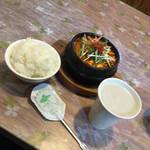 韓味屋 - キムチチゲ