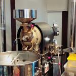 喫茶ニューポピー - 自家焙煎機