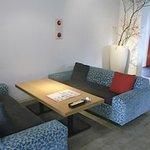ハピネスカフェ - 思わずまったりしそうなローソファー席