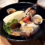 京都 五行 - 鯛とアサリ春野菜の酒蒸し