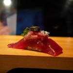 弘寿司 - 鮪:銀箔仕立て
