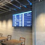 HEARTSカフェレストラン&バー - お店はバスターミナルの中にあると言う事もあり店内にはバスの発着時刻が掲示してあり上手く時間を利用して食事が出来ます。
