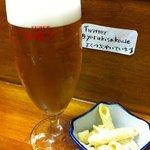 カレー居酒屋 やるき - グラスビアは300円。