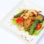 ケニーアジア - 《日替・裏メニュー》6種以上の野菜と海老炒め