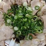 ばんらい屋 - 醤油(並)+肉盛