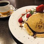 ポッロ - スペシャルパンケーキとホットコーヒー