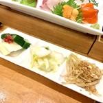 ハマグルメ とも栄鮨 - 香の物