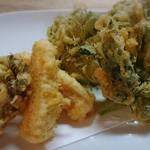 大衆割烹 藤八 - 季節野菜の天ぷら盛り合わせ