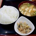 海鮮食堂おくどさん - おからとご飯と味噌汁