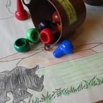 ジャンボ - ランチョンマットが塗り絵になっています。