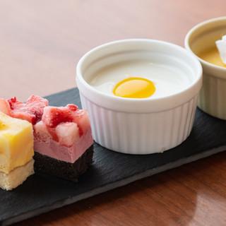 寿司食べ放題に加え、一品料理やデザートはビュッフェスタイル♪