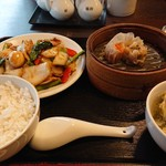 創作中華香港手作り点心チャイ - 定食だとコレがヘビロテ  あっさり八宝菜(そうでもない)