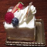103076926 - ストロベリーチーズケーキ