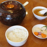 天鳳 - ご飯、お櫃、漬物、スープ
