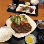 お食事処 みうら - 牛焼肉定食とお刺身定食!