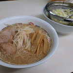 ホープ軒 - ラーメン(750円)
