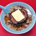 昇福亭 - 料理写真:分厚く大きいチャーシュー麺