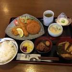 食楽飲笑 喜多 - ミックスフライ定食       820円