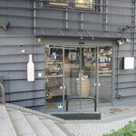 オ・ボルドー・フクオカ - 明治通り沿い、那珂川の横手にあるボルドーワインのお店です。