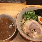 豚骨稲盛 - 料理写真:濃厚魚介つけ麺 並790円